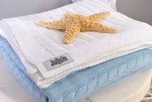 Wiegdekentjes / De leukste wiegdekentjes voor jouw baby! Heerlijk zacht en mooi. http://www.ikbenzomooi-baby-kinderen-kleding.nl/kado-verzorging/beddengoed-textiel/wieg-babydeken/