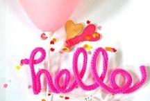 Feest - / De leukste feestdecoraties voor een babyshower, kraamfeest, en verjaardag van een meisje. Confetti ballonnen, XXL ballonnen, franjes garland slingers, pinata's en nog veel meer moois...