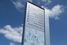 Wayfinding Monoliths / Guide, inspire and educate visitors with wayfinding monoliths