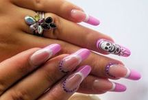 Nails / Nails in gel and nails in acrylic resin