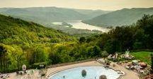 Szállás / A Dunakanyarban több 3 és 4 csillagos szálloda található, így ha vendégként érkezel hozzánk, magas színvonalú ellátásban lehet részed!