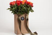 цветы и подарки. flowers and gifts. / цветы, заказ онлайн, доставка курьером. flowers delivery
