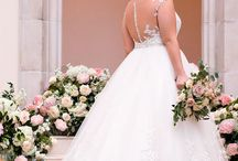 Stella York everybody/everybride / Fabulous gowns for ladies who have all the curves