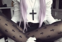 creepy cute / pastel goth
