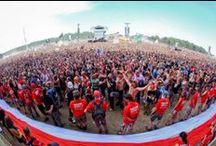 """""""Akcja Flaga""""! / Na Przystanku Woodstock 2013 rozwinięliśmy flagę """"sektorówkę"""" z EURO 2012! Pierwszy raz została rozwinięta przed Prezydentem Bronisławem Komorowskim, a drugi raz podczas koncertu grupy Sabaton."""