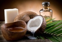 Coconut Oil Post / Tips for uses and benefits of coconut oil plus health and wellness topics and natural remedies.