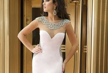 Jovani Dresses / Beautiful Jovani prom dresses from Dress 2 Party, the latest styles and colours from the biggest supplier of Jovani in the UK.