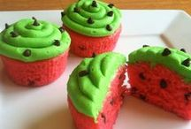 CuppyCakes / Small cakes baked in little cup-like shapes. Savory & sweet. / by Nicole Agruda