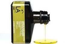 Oli d'oliva / Olive oil packaging / by Belén Barranco