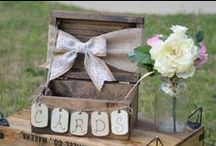 GIFT TABLE / Wedding reception gift and card display ideas