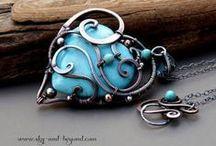 Šperky tepané a drôtované