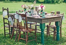 An English Country Garden / Garden ideas and inspiration for big and small outdoor spaces. Furniture, plants and floral displays