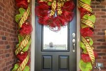 Wreaths , Garlands and Swags............................................................ Sprays / by Lila Dupont
