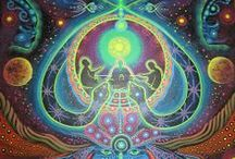 Trippy / Colorful psychedelic / visionary art.