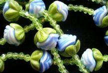 Belles perles d'antan / Perles anciennes vénitiennes, Murano, Briare, trade beads.
