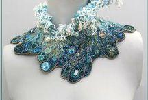 La mer en broderie de perles / Bijoux tissés ou brodés en perles de rocaille