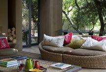 Casa/Áreas Externas. / Aproveite as varandas e quintais para decorar e ter um cantinho especial em casa!