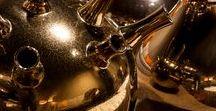 Luxury Living I METROPOLE by BAAN / De trend luxury living geeft een gevoel van luxe en glamour. Zacht fluweel, glanzende sierkussens en gouden accessoires. BAAN geeft u een sfeerimpressie van deze trend.