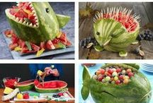 Food Fun Kids / Fun presentation of food (fruits, vegetables ...) in a shape of animals and other ideas to stimulate kids imagination and appetite :) Great ideas for edible table decoration for celebrations too!