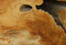 The Beauty of Wood / The natural grain of wood can be like looking at a fire - always something new to see but very relaxing to the eye. When you are aiming for a minimalist look, choosing natural wood helps to add subtle interest and warmth.