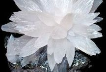 """Mineral Floral Forms / In venturing into the """"rabbit hole"""" of CRYSTALS, I was amazed to find so many """"flower"""" formations and forms. . . so many that I've created a separate board for them."""