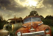 Old cars / Artistic photoes about old, rusted cars, tracks, buses.