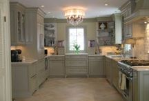 Kitchens Worth Coming Home For / Kitchens that are beautiful in design, function and simplicity.