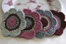 Crochet ♥ flowers ♥  Häkelblumen  / by Nicole Bautz