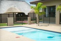 Gecko Inn / Gecko Inn is located in the City of Umhlatuze, Richards Bay. KwaZulu-Natal is the true gateway to the most prestigious game parks, game lodges and sanctuaries in Zululand. Enjoy the best of both worlds, with the Indian Ocean and its beautiful beaches and the bushland where the Big 5 roam.   http://www.go2global.co.za/listing.php?id=2004&name=Gecko+Inn