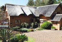 Kaya Khutso Luxury Guest House / Kaya Khutso is a three-story thatched house in the picturesque village of Haenertsburg. The guest house is situated on the edge of an indigenous forest giving it the magical atmosphere that is associated with the town.   http://www.go2global.co.za/listing.php?id=898&name=Kaya+Khutso+Luxury+Guest+House
