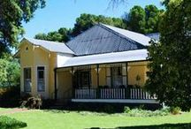 4 Seasons / 4 Seasons Guest House is situated in Loxton, a small, quaint Karoo arboreal village. The guest house offers accommodation in double en-suite bedrooms, as well as a separate self-catering cottage.   http://www.go2global.co.za/listing.php?id=933&name=4+Seasons