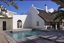 Zensa Lodge / Located at the border of Cape Point National Reserve and a one minute walk from the beach, Zensa Lodge in Scarborough is the ultimate hideaway around Cape Town.