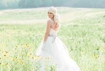 Bride Poses / Bride Photo Inspiration