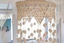 Rendas...+ Rendas... <3 :-) / Tenho verdadeira paixão por rendas!!! Ainda hoje reciclo rendas da minha bisavó em peças de roupa... na decoração da casa...e adoro!!!! :-) <3