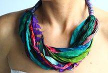 Bijutaria: Colares de tecido, fitas, lãs e trapilho... <3