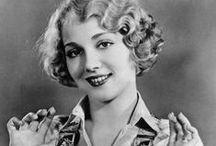 Frisuren, 1920-1939 / Damenfrisuren der 1920er und 1930er Jahre. #Vintage #Retro