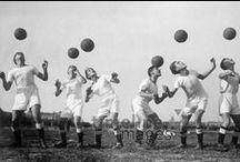 Fußball Historisch / Historische Bilder von Fußballspielern und Fußballspielerinnen.