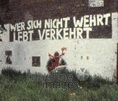 Sprüche / Mit ein wenig Farbe und dem passendem Spruch dienen selbst die bröckeligsten Wände als politische Plattform oder für Straßenkunst.