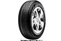 Celosezónní pneu