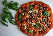 Pizza / The most famous dish of Italian cuisine! Good and simple if you know how to do it ;) Flour, water, yeast, oil, salt, manual skills, experience and your imagination!!