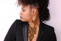 Colliers en Wax - Wax prints necklaces / Cette catégorie regroupe les colliers plastrons en wax, les colliers mi-longs en wax, les colliers ras-du-cou en wax, les pendentifs en wax pour femmes
