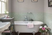 Traditional/Victorian Bathrooms / #Traditional and #victorian bathroom styles bring this luxurious touch to every home. Not only for #vintage lovers, but for everyone who loves elegance and chic bathrooms