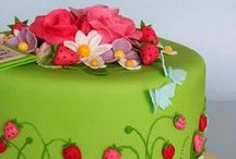 Cakes & Cupcakes / Inspiration for mi madre / by Stormy Czupil