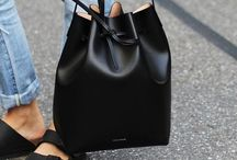 I love bags / by Bárbara Paredes Mittermayr