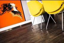 LEOXX BasiXX / Een collectie projectvloeren met ingetogen kleuren verwerkt in rustige dessins. Voor strakke, stoere vloeren. Tijdloos en goed combineerbaar. En natuurlijk verantwoord geproduceerd. BasiXX bestaat uit pvc-vloeren en tapijttegels in diverse formaten.