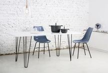 Fix / Fix are 73 cm tall table legs that are great for dining tables and meeting room tables. Each one comes with 4 screws and so you can firmly attach them to any table top. But quite frankly they go best with our assembly-ready Flat Fix and Round Fix table tops.