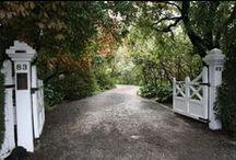 Enchanting Garden Paths / Discovering the magic of a garden