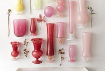 Vazen, flessen, glaswerk etc. / Glazen flessen, schenkkan en vazen
