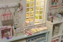 Sewing Studios & Corners / Inspiration for your sewing studio and sewing corner!