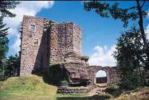 Cité fortifiée d'Obernai / Désignée Plus beaux détours de France, la cité fortifiée d'Obernai regroupe 12 monuments majeurs, dont le château du Kagenfels, érigé en 1262. © crédits photos : OT Obernai - C. Fleith - Panoramaweb - Styl'List Images pour Alsace Destination Tourisme